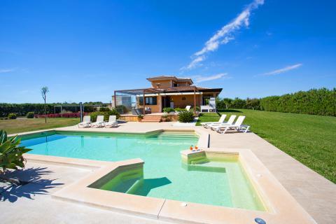 Ferienhaus mit beheizbarem Pool für 9 Personen bei Muro (Nr. 0473)