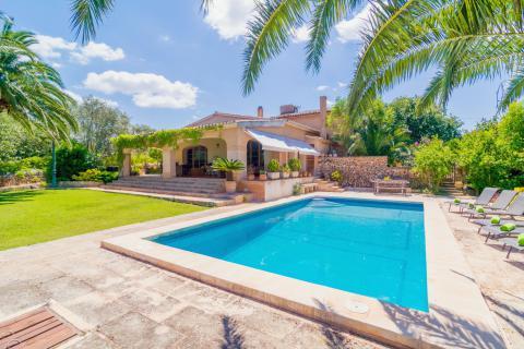 Familienurlaub im mallorquinen Ferienhaus mit Pool (Nr. 0499)