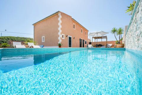 Finca in ruhiger Lage mit Pool und Klimaanlage bei S'Horta (Nr. 0611)