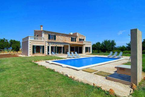 Mallorca Urlaub im Ferienhaus mit Pool, Klimaanlage und Internet nahe Muro (Nr. 0697)