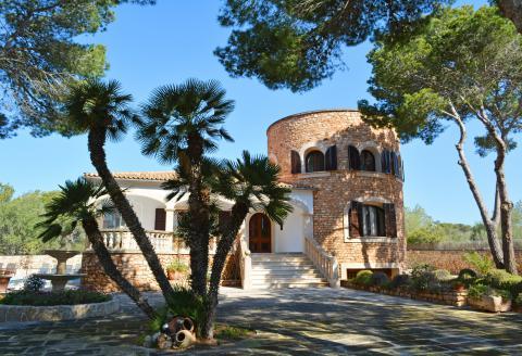 Exklusive Villa mit Pool - Cala Santanyi (227)
