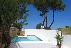 Strandnahes Ferienhaus mit Pool und Meerblick (Nr. 0007)