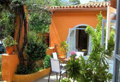 Ferienhaus nahe Santa Brigida mit schönem Garten (Nr. 0930)