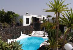 Kleines Ferienhaus mit Pool  (Nr. 0855)