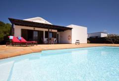 Ferienhaus mit Pool bei San Bartolomé (Nr. 0880.1)
