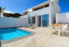 Strandnahes Ferienhaus mit Pool (beheizbar) und Meerblick (Nr. 0883)