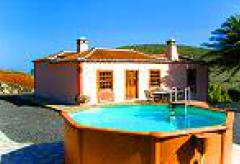 Komfortables Ferienhaus mit Pool (Nr. 8840)