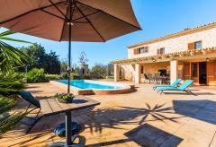 Klimatisiertes Ferienhaus mit Pool bei Buger (Nr. 0210)