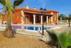 Ferienhaus mit Pool und Klimaanlage (Nr. 0232)