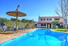 Ferienhaus mit Pool und Garten in ruhiger Lage auf dem Land (Nr. 0252)