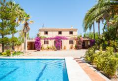 Finca mit Pool und Garten auf dem Land (Nr. 0291)