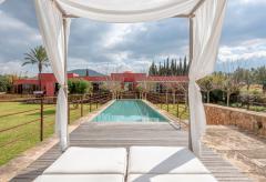 Exklusive Villa mit Pool und Klimaanlage in ruhiger Lage (Nr. 3051)