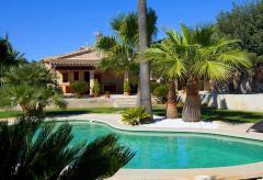 Finca mit Pool und schöner Gartenanlage (Nr. 3057)