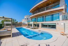 Exklusive Villa mit Pool, Indoor-Pool und Klimaanlage (Nr. 3065)