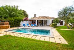 Kleines Ferienhaus mit Pool und Klimaanlage (Nr. 3096)