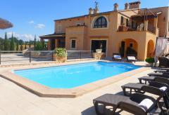Große Finca mit Pool bei Manacor - ideal für Familien (Nr. 0445)