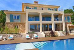Moderne Villa mit Pool und Meerblick (Nr. 0448)