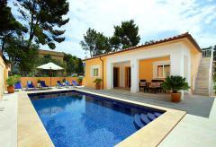 Strandnahe Villa mit Pool in Cala San Vicente (Nr. 0644)