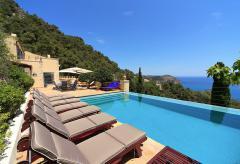 Villa mit Pool und fantastischem Meerblick  (Nr. 0672)
