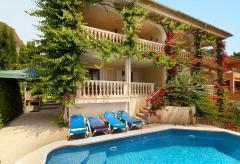 Strandnahes Ferienhaus mit Pool und Klimaanlage in Alcanada (Nr. 0685)