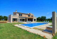 Ferienhaus mit Pool und Klimaanlage (Nr. 0697)