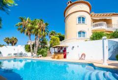 Strandnahe Villa mit Pool und Klimaanlage - Calp (Nr. 6001)