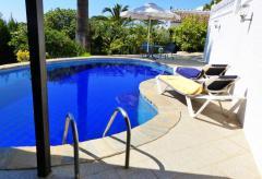 Kleines Ferienhaus mit Pool, Klimaanlage und W-lan (Nr. 6814)