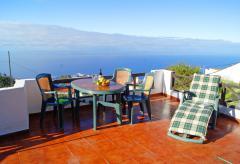 Kleines Ferienhaus in ruhiger Lage mit schönem Meerblick (Nr. 0712)