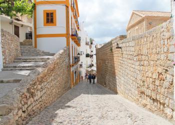 Gasse in der Altstadt von Eivissa
