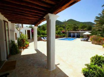 Finca mit Pool auf Ibiza