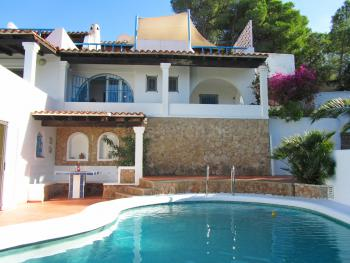 Ferienhaus mit Pool nahe der Cala Comte