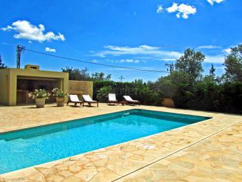 Ferienhaus für 8 Personen mit Pool in Sant Jordi