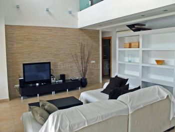 ohnzimmer mit Sat-TV und Internet W-LAN