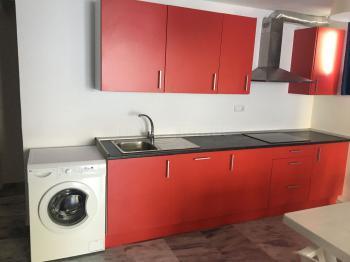 Komplett ausgestattete Küche (Untergeschoss)