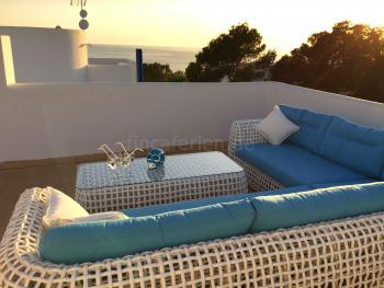 Relaxen im Ibiza Urlaub am Meer