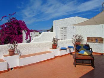 Strandnahes Ferienhaus mit Dachterrasse