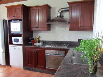 Wohnküche mit Sat-TV