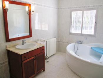 Badezimmer mit Jacuzzi
