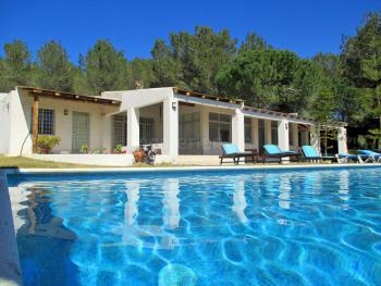 Ibiza Ferienhaus privat für 14 Personen