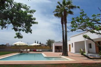 Pool, Terrasse und Grillecke