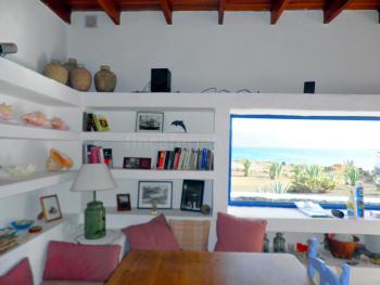 Wohnzimmer mit Meerblick, Essplatz