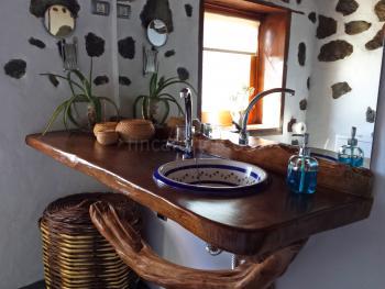 Waschtisch aus Holz - handmade