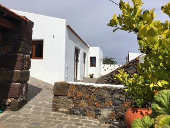 Modernisiertes Ferienhaus für 2 Personen