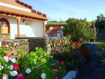 Landhaus mit Garten in Isora