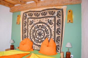 Individuell möbliertes Schlafzimmer