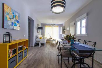 Wohnbereich mit Essplatz für 4 Personen