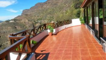 Finca mit großer Terrasse und Panoramablick
