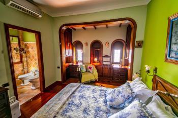 Schlafzimmer mit.....
