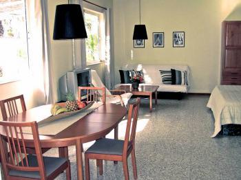 Wohnbereich mit Essplatz