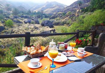 Genießen Sie Ihr Frühstück in einmaliger Lage